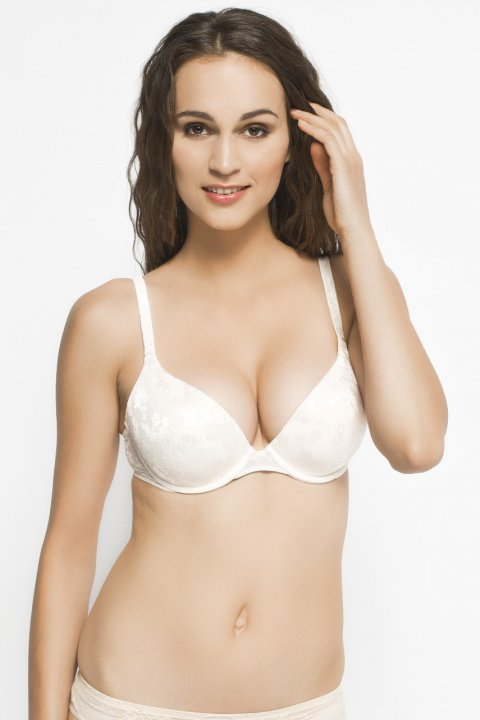 Triumph - Podprsenka Body Make-Up Lace